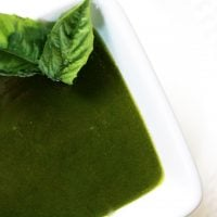 1-Minute-Low-FODMAP-Pesto