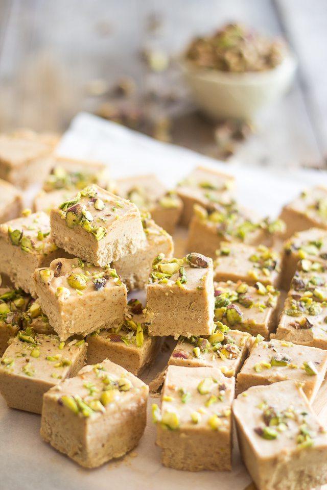 almond-pistachio-fat-bombs