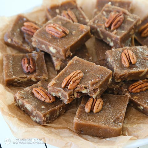 maple-and-pecan-fudge-fat-bombs