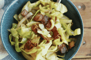 CRUNCHY-SAUTEED-CABBAGE-AND-BACON
