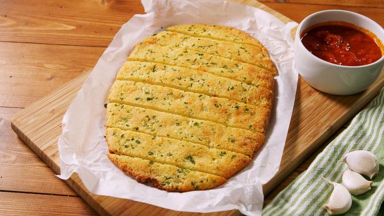 delish-keto-garlic-bread