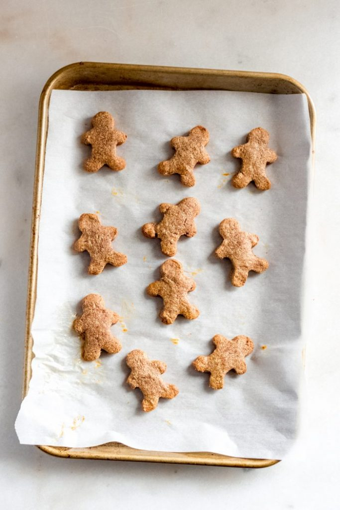 low-carb-gingerbread-cookies-baking-tray