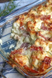 glass dish of low carb chicken cordon bleu casserole
