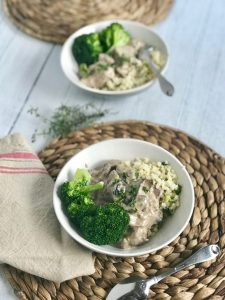 2 Bowls of Quick Low Carb Slow Cooker Beef Stroganoff on twine placemats
