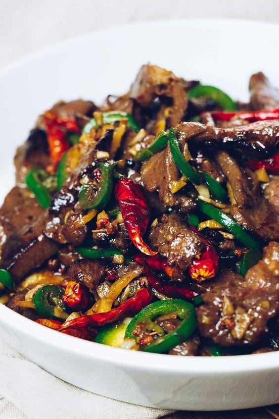 paleo hunan beef stir fry on a plate