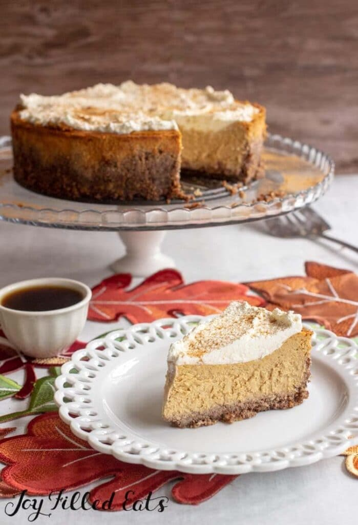 1 easy pumpkin cheesecake slice on a small plate