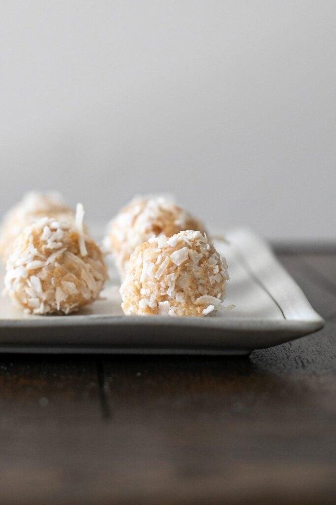 peanut-butter-cheesecake-bites
