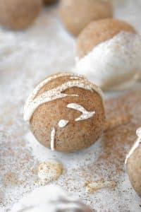 cinnamon-roll-fat-bombs
